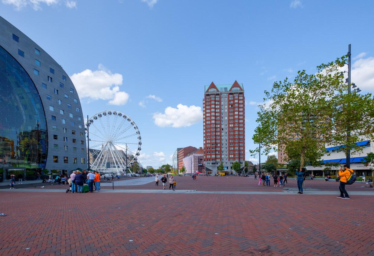 Het meest in het oog springende appartementencomplex van Rotterdam: de Markthal.